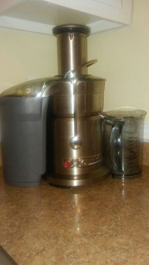 Breville Juice Fountain Elite 800JEXL for Sale in Worcester, MA