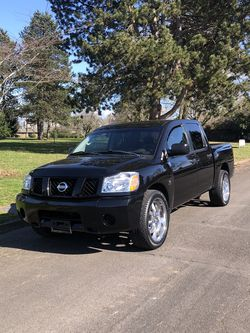 Nissan Titan 2004 for Sale in Portland,  OR