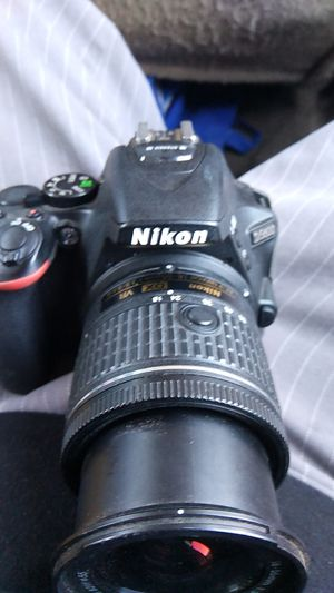 Nikon digital 35 mm camera d5600 camera $400 for Sale in Phoenix, AZ