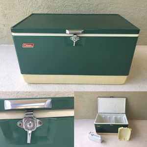 Vintage Coleman cooler, with inserts. Perfect for a Christmas present 🎄 for Sale in Apopka, FL