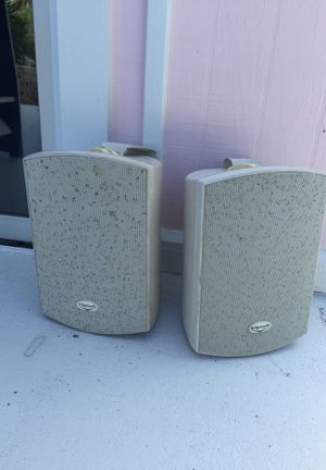 Klipsch Outdoor Speakers with Brackets for Sale in Palm City, FL
