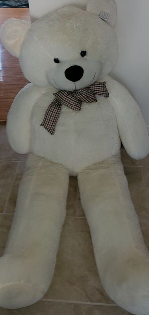 Big giant teddy bear beige/ cream . Retails for $110 for Sale in Apex, NC