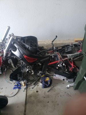 02 r6 parts or project bike need gone asap for Sale in Denver, CO