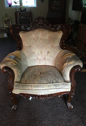 VINTAGE ORNATE HAND CARVED WOOD WINGBACK ROCOCO STYLE CHAIR for Sale in Berlin, NJ
