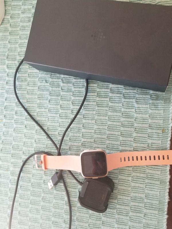 Rose Gold Fitbit Versa Smartwatch