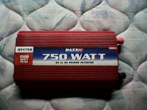 750 WATT DC to AC POWER INTERVER for Sale in Rockville, MD