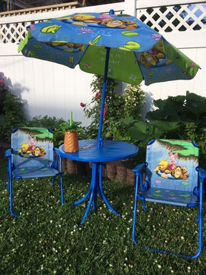Kids 4 Piece Outdoor Table and Chair Set for Sale in Chicago, IL