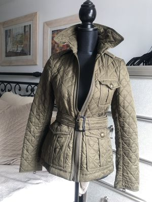 BURBERRY Women's Quilted Jacket Size XS for Sale in Bronx, NY