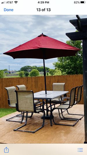 Outdoor patio dining table and chairs w/umbrella for Sale in Creedmoor, TX