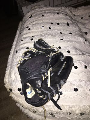 Size 11.5 Baseball Glove for Sale in Virginia Beach, VA