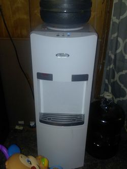 Water Despenser Whirlpool for Sale in Taylorville,  IL