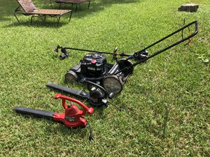 Lawn mower, 2 blower, Grass Turner in good conditions for Sale in Oviedo, FL