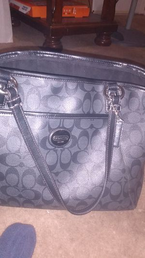 Coach purse and matching wallet for Sale in Phoenix, AZ