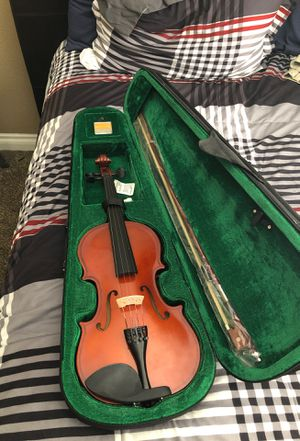 (4/4) Violin With case, bow, and rosin. for Sale in Henderson, NV