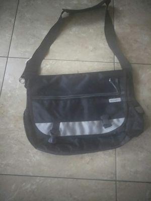Old Navy Messenger bag for Sale in Fresno, CA