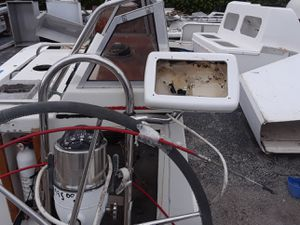ER9244-002 Sailboat Helm with Pedestal, Pedestal Guard, Stainless Wheel, Cockpit Table NavPod for Sale in Fort Lauderdale, FL