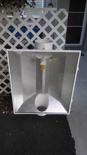 XL GROW HOOD WITH GLASS for Sale in Vancouver, WA