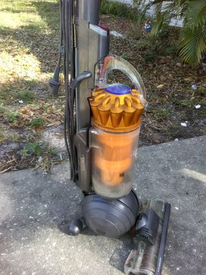 Dyson vacuum for Sale in Madeira Beach, FL