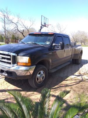 2001 Ford F350 Dully 4*4 for Sale in Lytle, TX