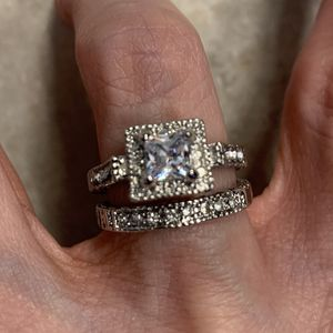 New 2 Piece CZ Wedding Rings sterling Silver Size 7 for Sale in Palatine, IL