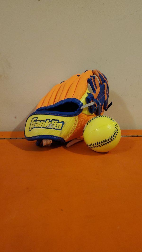 Franklin Baseball Glove with Ball.