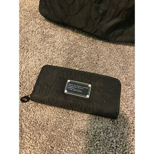 Marc Jacobs nylon wallet for Sale in Chicago, IL