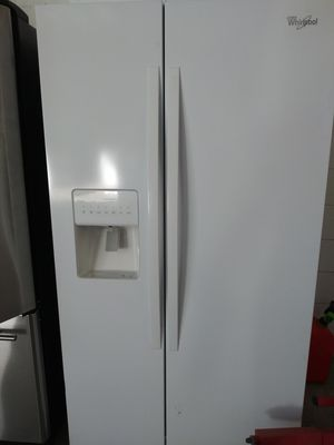 Whirpool white sbs refrigerator, 3 months warranty like new for inf {contact info removed} for Sale in Tampa, FL