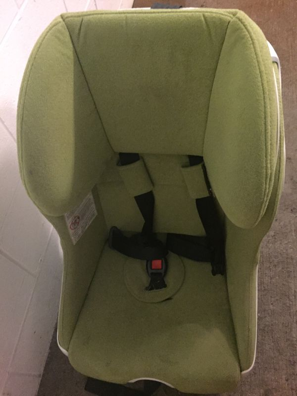 Foonf convertible car seat from Clek