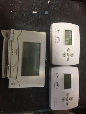 Thermostats- 2 Honeywell's, 1 Lux for Sale in Simpsonville, SC