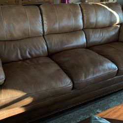 Flexsteel Dark Tan Leather Couch ($300) for Sale in Concord,  CA