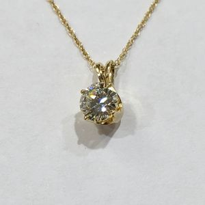 14K Yellow Gold Unisex Solitaire Pendant with 0.60ct Round Diamond 10012146-2 for Sale in Tampa, FL