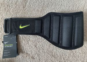 Nike Structured Training Belt 2.0 Size Medium Black Volt Workout Lifting NWT for Sale in Fort Mill, SC