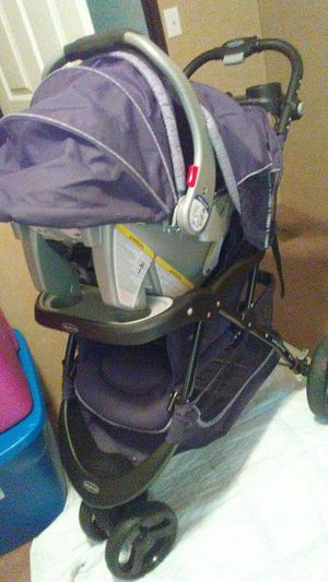 Stroller and carseat with base for Sale in Austin, TX