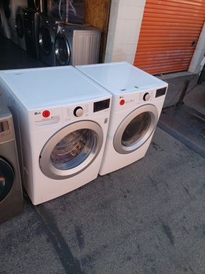WASHER AND DRYER SET LG for Sale in Inglewood, CA