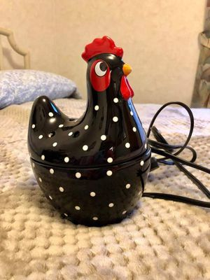 Scentsy Warmer Hen New Wax Warmer for Sale in Covina, CA