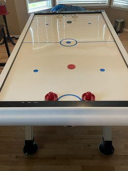 MD Sports Hockey Table Free for Sale in Renton,  WA