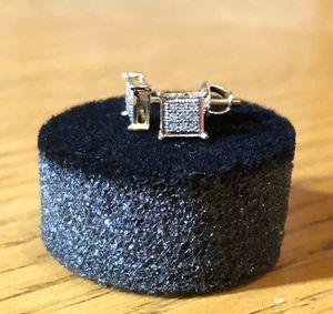 10k Gold Diamond earrings (screw backs) for Sale in Dallas, TX