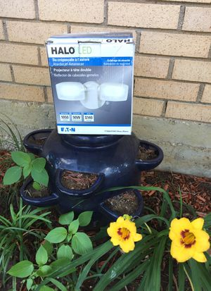 Halo led light twin head floodlight white for Sale in Fort Worth, TX