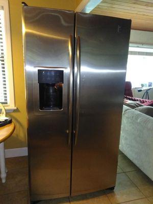 GE Refrigerator for Sale in Inverness, FL