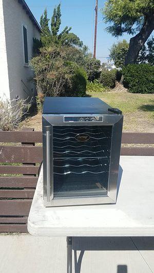 Wine cooler fridge for Sale in Long Beach, CA
