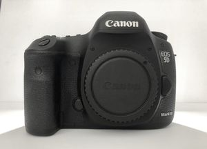 Canon Eos 5D Mark lll DSLR Camera Excellent condition original owner. Shutter Count at 32772 Canon 5 D Mark lll Body Canon Rf - Body Cap Canon Lc - E for Sale in Honolulu, HI