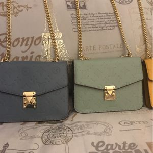 Designer Tow bags designer handbags for Sale in Las Vegas, NV