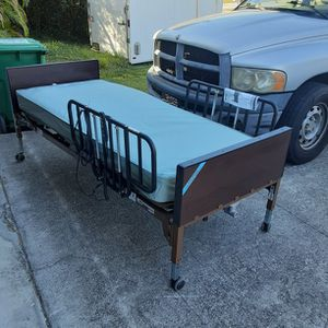 New Full Electric Hospital Bed for Sale in Port St. Lucie, FL