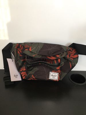 Herschel Supply Co floral dark olive palm waist bag for Sale in Torrance, CA