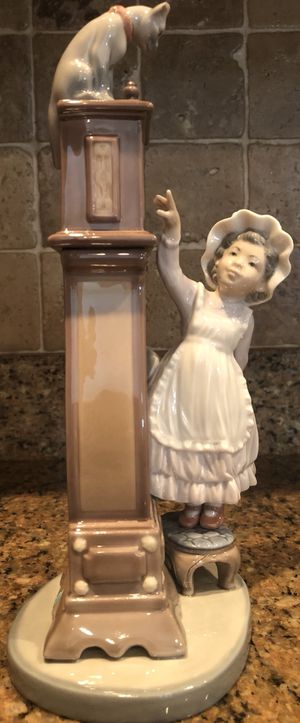 "Lladro ""Bedtime"" 5347 Girl Grandfather Clock Cat Porcelain Figurine for Sale in Greer, SC"
