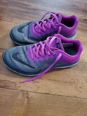 Nike tennis shoes for women size 6.5 for Sale in Lake Elsinore, CA