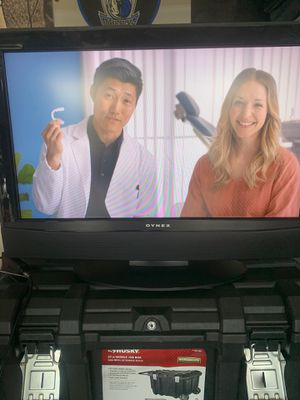 DYNEX FLAT SCREEN TV 32 INCH for Sale in Irving, TX
