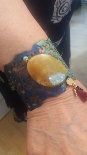 BEAUTIFUL CUFF BRACELET WITH LARGE STONE. for Sale in Brick Township, NJ