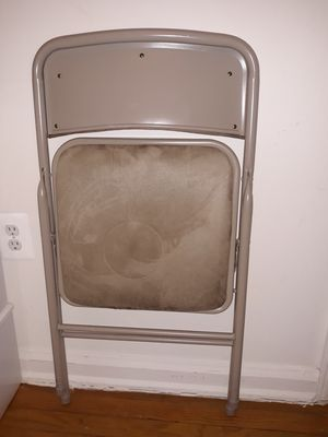 Foldable Padded Metal Chair Great condition! for Sale in Falls Church, VA