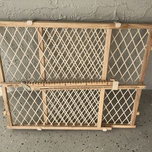 """Evenflo 26""""-42"""" Baby Gate for Sale in Port St. Lucie, FL"""
